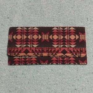 Handbags - NWOT Clutch purse Geometric design